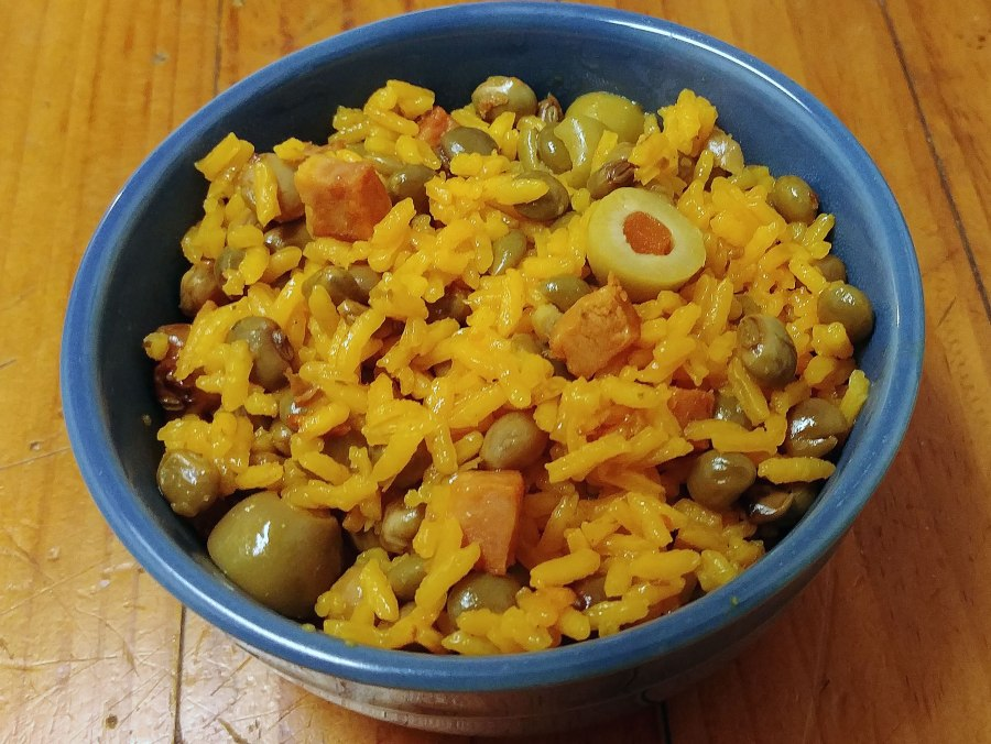 Spanish Rice with Pigeon Peas (Arroz con Gandules)