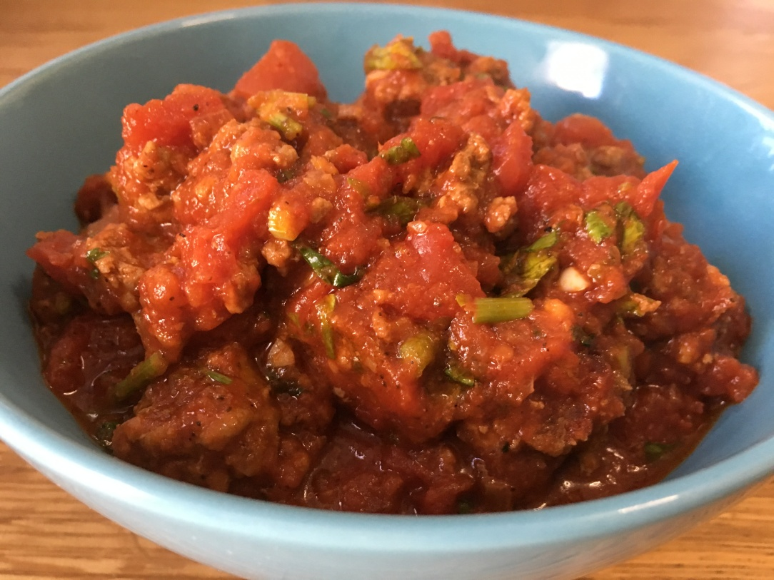Italian-style meat sauce (bolognese)